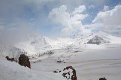 北高加索的山风景 库存图片