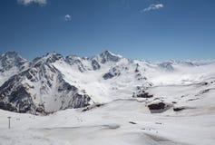 北高加索的山风景 免版税库存图片