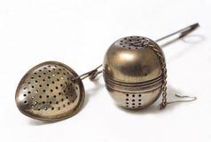 匙子,酿造茶的过滤器 免版税图库摄影