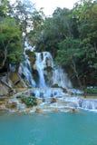 匡Si瀑布在老挝的密林 库存图片