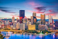 匹兹堡、宾夕法尼亚、乌萨河和地平线 免版税库存图片