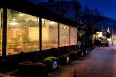 区义卖市场在晚上 免版税图库摄影