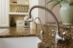 区厨房现代水槽 库存图片