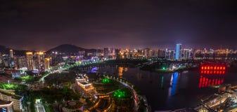区政府Nightscape在厦门, haicang,中国 免版税库存照片