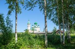 区教会kolarovo老俄国托木斯克村庄 库存照片