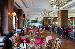 区豪华旅馆的大厅 图库摄影