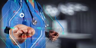 医学医生手与现代计算机接口一起使用作为m 免版税图库摄影