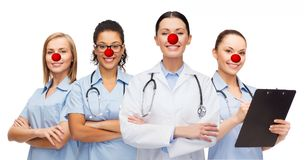 医生女性微笑的听诊器 库存图片