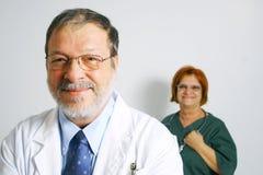 医生护士微笑 免版税库存照片