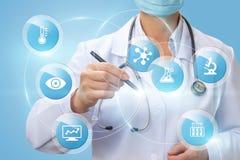 医生画患者的结构研究 库存图片