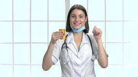 医生画象有认同标志的 影视素材