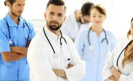 医疗中心同辈的主导的医生 免版税库存图片