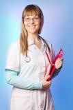 医疗保健俏丽的工作者年轻人 免版税库存照片