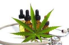 医疗大麻油孤立 免版税库存图片