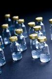 医疗小玻璃瓶 免版税库存图片
