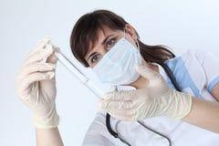 医疗研究员或医生 免版税库存图片