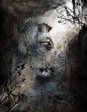 匿名的雕象在土窖 免版税库存照片