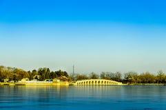 十三个孔桥梁在冬天 免版税图库摄影