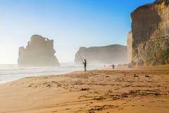 十二位传道者在澳大利亚,维多利亚,伟大的海洋路美好的风景靠岸和岩石 免版税库存照片