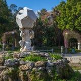 十二面体大理石时钟在别墅朱莉娅公园,巴勒莫 免版税库存照片