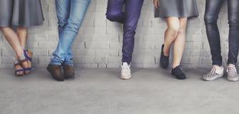 十几岁朋友行家时尚趋向概念 库存图片