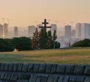 十字架和起重机在布拉索夫,斯洛伐克 库存图片