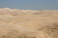十字架在犹太沙漠 免版税库存图片
