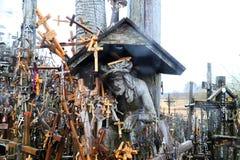 十字架小山在北立陶宛 免版税库存照片