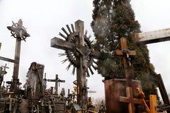 十字架小山在北立陶宛 库存图片