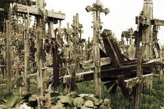 十字架小山是朝圣站点在北部立陶宛 免版税库存照片