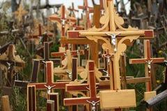 十字架小山是朝圣站点在北部立陶宛 图库摄影