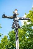 十字架的耶稣,在Kalvarienberg,受难象山,坏Toelz,巴伐利亚,德国的雕象 图库摄影