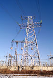 330千伏电能传输定向塔 免版税库存照片