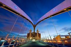 千年桥梁从里边曼彻斯特 免版税库存图片