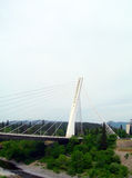 千年在河Moraca波多里加Montene的吊桥 库存图片