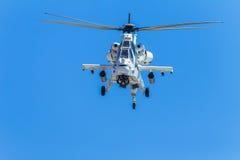 直升机军事攻击机飞行 库存图片