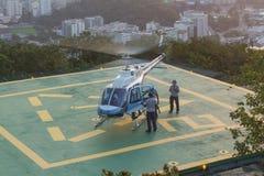 直升机在里约热内卢 免版税库存照片