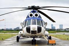 直升机机体和动叶片系统 免版税库存照片