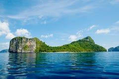 直升机海岛(El Nido,菲律宾) 免版税库存照片