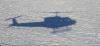 直升机着陆在南极洲 图库摄影