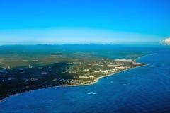从直升机视图的大西洋海岸 免版税库存照片