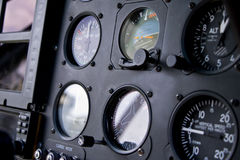 直升机驾驶舱和仪表盘 免版税图库摄影