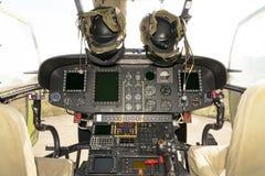直升机驾驶舱-美洲狮SA-330M 免版税库存图片