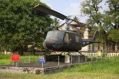 直升机UH-1在颜色城市博物馆  越南 库存照片