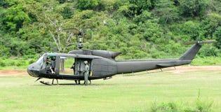 直升机UH-1 Huey起动引擎 图库摄影