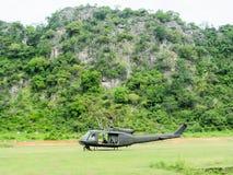直升机UH-1 Huey起动引擎 免版税库存照片