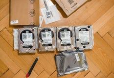 升级的多台计算机硬盘驱动器 免版税库存图片