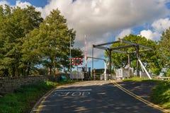 升降吊桥在Usk的,威尔士,英国Talybont 免版税库存照片