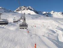 升降椅滑雪滑雪者 免版税库存照片