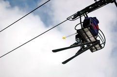 升降椅滑雪者 库存图片